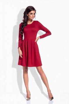 Dzianinowa sukienka rozkloszowana bordowa