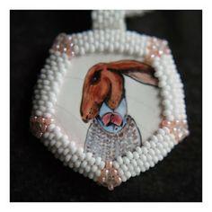 """""""Nieśmiały Zajączek"""". naszyjnik. ceramika - majolika, koraliki. / """"Shy Hare"""" necklace. ceramics - majolica, beads. /// http://karolina-g.blogspot.com/2014/01/wredny-zajaczek.html"""