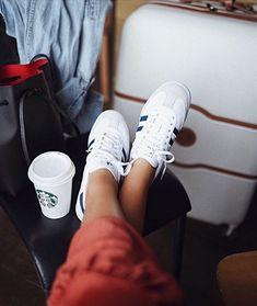 f748c5af50 Café, sneakers & valise : les essentiels du Weekend #sarenza #shoesplease  #sneakers