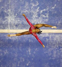 GABBY DOUGLAS / LONDON OLYMPICS 2012 ~ THIS IS BEAUTIFUL.  THIS IS JUMPING FROM A HIGH BEAM ... INCREDIBLE