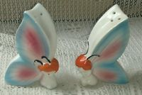 Vintage Japan anthropomorphic salt and pepper shakers butterfly girls/fairies Salt And Pepper Set, Salt Pepper Shakers, Kitchen Items, Holiday Cookies, Cookie Jars, Fairies, Ps, Butterfly, Japan