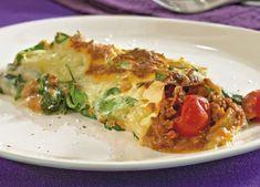 Cannelloni er det tætteste man kommer på Italien, næst efter lagsagne og pizza. Pastarørene fyldes med kødsauce og toppes med spinat-bechamel. Retten kræver lidt arbejde, men smagen er arbejdsindsatsen værd.