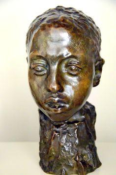 Étude pour la Tête d'Hamadryade vers 1895 par Camille CLAUDEL (1864-1943). Bronze, fonte E. Blot, vers 1908. Musée Camille Claudel à Nogent-sur-Seine. Photo : Hervé Leyrit ©