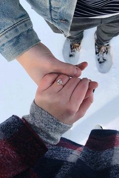 """27 Engagement Photos That Inspire To Say """"Yes"""" - Engagement Announcement Ideas - Engagement Ring Winter Engagement Photos, Engagement Pictures, Engagement Shoots, Wedding Engagement, Announcing Engagement, Proposal Pictures, Engagement Rings Couple, Engagement Ideas, Pre Wedding Photoshoot"""