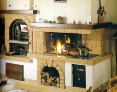 Amiata Caminetti - Siena - Camini su misura Kitchen Fireplace, House Styles, Kitchen Design, Rustic House, Dining Room Fireplace, Georgian Interiors, Home Decor, Kitchen Styling, House Information