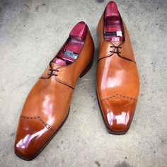 "Putting a Deco style onto a non-Deco last can result in really nice shoes. Like these ""Rogers"". Made to Order on the TG 73 last I'm vintage chestnut. #gazianogirling #gazianoandgirling #madetoorder #shoeporn #GGRogers"