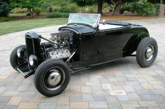 From Jalopy Journal 32 Ford Roadster, Car Man Cave, American Graffiti, Traditional Hot Rod, T Bucket, Lifted Ford Trucks, Abandoned Cars, Koenigsegg, Ford Models