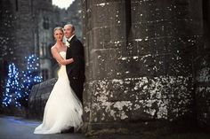 The couple in front of Ashford Castle with a winter ambiance Celtic Wedding, Irish Wedding, Wedding Day, Romantic Weddings, Real Weddings, Ashford Castle Hotel, Christmas Wedding Flowers, Winter Picture, West Coast Of Ireland
