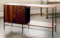 When we tasked Mark Albrecht to design a modern bar for the home, the seasoned US furniture designer...
