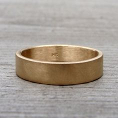 THIS IS IT!!! My favorite! Ask Hilary to do this! Yellow Gold Wedding Band