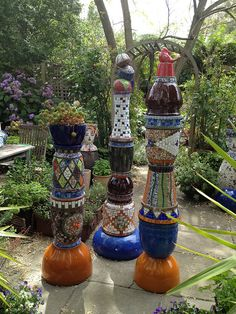 Mosaic columns for the garden | Flickr - Photo Sharing! gillm_mosaics