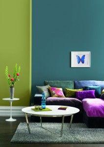 Vrijdag VerfTipDag >> Kun je niet kiezen tussen 2 favoriete kleuren? Dan verf je je muur toch gewoon in 2 kleuren! Kies dan wel voor een mooie vlakverdeling bv. 1/4 groen en 3/4 petrol