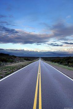 Straight line www.erikschepers.com Argentina, Patagonia, Rio Negro, San Antonio Este, RN3