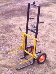 For moving beehives? Metal Working Tools, Metal Tools, Old Tools, Welding Crafts, Welding Projects, Farm Tools, Garage Tools, Metal Shop, Homemade Tools