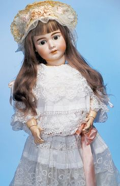 252: LARGE GERMAN BISQUE DOLL BY MYSTERY MAKER : Lot 252
