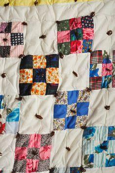 Vintage Handmade Patchwork Quilt Comforter | Drowsy Swords Vintage