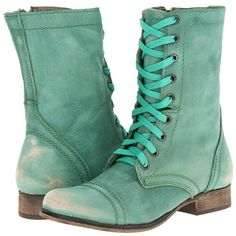 Steve Madden Troopa (120 AUD) ❤ liked on Polyvore featuring shoes, boots, ankle booties, zapatos, botas, ankle boots, green leather, leather boots, lace up booties and lace up bootie
