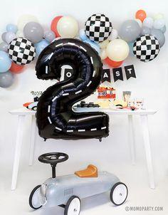 2nd Birthday Party For Boys, Hot Wheels Birthday, Second Birthday Ideas, Race Car Birthday, Race Car Party, Cars Birthday Parties, Baby Boy Birthday, Boy Birthday Themes, Car Themed Birthday Party