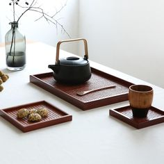 This Japanese style Tray is made of rattan. It is a handmade products. Suitable for serving tea / food / hotel / home / office / outdoor.Material: WoodApplicable: Drink tea, food, hotelNot available: Microwave oven White Tea Benefits, Rattan, Wabi Sabi, Tea Culture, Tea Brands, Japanese Tea Ceremony, Tea Tray, Wood Tray, Canning Jars