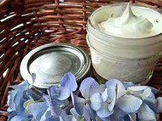 homemade shaving cream w/ shea butter, coconut oil, jojoba oil & lavender essential oil
