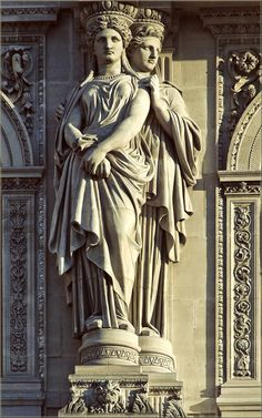 Caryatids, Pavillon Sully, built by Jacques Lemercier ordered by Louis XIII in Louvre Museum, Paris, France. Sully, Wall Sculptures, Sculpture Art, Love Statue, Louvre, Stuck, Stone Statues, Greek Art, Ancient Art