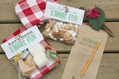 Free outdoor scavenger hunt printable and s'mores treat toppers! Print the scavenge hunt right onto a paper bag so the kids have something to collect all of their treasures!