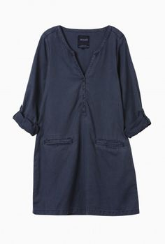 Ocean blue smock, perfect over leggings for travel.