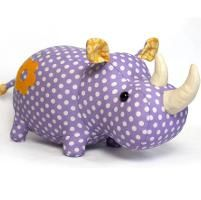 You have to see Love Elephant pdf sewing pattern by DIY Fluffies!