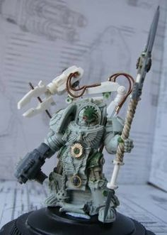 Spikey Bits Warhammer 40k, Fantasy, Conversions and Painted Miniatures: Techmarine Scratchbuild - Conversion Corner