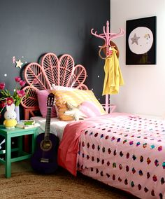 Today Kids Bedroom Ideas brings you 10 teen bedroom decor ideas that are great for any style and helps to keep the space tidy. Small Room Bedroom, Cozy Bedroom, Teen Bedroom, Bedroom Decor, Bedroom Ideas, Kid Bedrooms, Design Bedroom, Bedroom For Girls Kids, Teen Girl Rooms