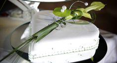 Wedding decoration and a perfect cake http://www.utokulm.ch/hochzeiten/hochzeits-torten/ @ UTO KULM Uetliberg