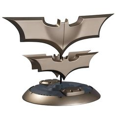 Yes, I want a Batsignal Alarm Clock. Look at it's awesomeness, would you?
