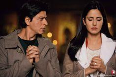 Watch official video song Heer from the movie Jab Tak HAi Jaan. Starres at SRK, Karina, Anushka Bollywood Movie Songs, Bollywood Couples, Bollywood Actors, Bollywood Celebrities, Srk Movies, Hindi Movies, Shah Rukh Khan Movies, Shahrukh Khan, Katrina Kaif
