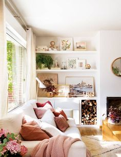A salon before / after that goes from the banal to the cozy decoration - PLANETE DECO a homes world Living Room Decor Inspiration, Interior Inspiration, Simple Living Room, Home And Living, Living Room Designs, Living Spaces, Salons Cosy, Living Room Shelves, Family Room