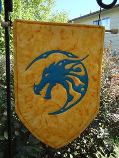 Dragon Banner Wall hanging Coat of Arms Quilted by KnottyCovers