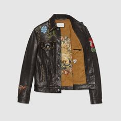 GUCCI is on a run, that we are all aware of. We already talked about the much hyped embroidered and patch-packed shearling denim jacket that released this season and has been spotted by now on every celebrity imaginable. The Italian luxury nicely follows up that release with the above leather trucker jacket. The gorgeous piece …