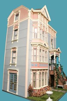 My Small Obsession - Dollhouse of the Month Antique Dollhouse, Dollhouse Kits, Dollhouse Miniatures, Barbie Doll House, Victorian Dolls, Pallet Painting, Miniature Houses, Dollhouse Furniture, House Floor Plans