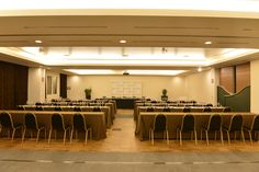 TECHNOLOGY AND COMFORT FOR CONFERENCES ON LAKE COMO