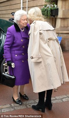 After following protocol with a curtsey, Camilla kissed her mother-in-law on the cheek Camilla Duchess Of Cornwall, Duchess Of Cambridge, Royal Uk, Camilla Parker Bowles, Isabel Ii, Daughter In Law, English Royalty, King George, Queen Elizabeth
