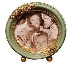 SIKOO Vintage Wood Picture Frame Green Family Round Photo Frame for Home Decoration *** Find out more about the great product at the image link. (This is an affiliate link and I receive a commission for the sales) Round Picture Frames, Vintage Picture Frames, Picture On Wood, Hanging Family Photos, Family Photo Frames, Vintage Wood, Colorful Decor, Decoration, Decorative Plates