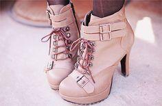 Korea Fashion- love these boots!