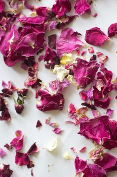 How to Dry Edible Flowers