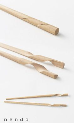 Rassen chopsticks by N. Meister in collaboration with Hashik.- Rassen chopsticks by N. Meister in collaboration with Hashikura Matsukan for Nen… Rassen chopsticks by N. Meister in collaboration with Hashikura Matsukan for Nendo - Smart Design, Clever Design, Geek Gadgets, Cool Gadgets, Baby Gadgets, Design Industrial, Intelligent Design, Cool Inventions, Chopsticks