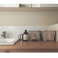 工夫次第で好印象☆洗面所のタオルの美しい置き方 | RoomClipMag Fashion Room, Kitchen Interior, Room, Interior, Interior Spaces, Home Decor, House Interior, Bathroom Decor, Interior Design Furniture