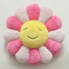 takashi-murakami-flower-cushion-pink-30cm-2