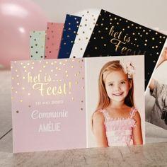 Val op met dit mooie snoezige fotokaartje. Door de mooie foto en de twinkeling van de gouden bolletjes is het kaartje op zich al een feestje!Afwerking met goudfolie Fotokaart Enkele kaartKies je favoriete kleur voor dit kaartje in de