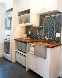 30 Smart DIY Laundry Room Makeover With Farmhouse Style Tiny Laundry Rooms, Laundry Room Sink, Laundry Room Organization, Small Laundry, Laundry Room Design, Living Room Designs, Kitchen Remodel, Kitchen Decor, Farmhouse Style