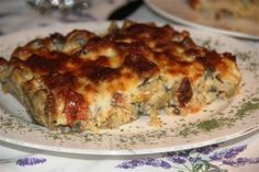 Padlizsános felfújt gombával Lasagna, Quiche, Chips, Breakfast, Ethnic Recipes, Food, Lasagne, Breakfast Cafe, Potato Chip