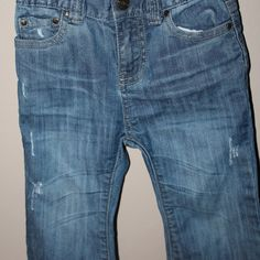 Distressed jeans, Size 2