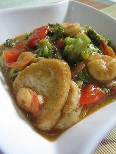 Tumis tahu dan brokoli Food N, Good Food, Food And Drink, Indonesian Food, Indonesian Recipes, My Favorite Food, Favorite Recipes, Malay Food, Vegetarian Recipes